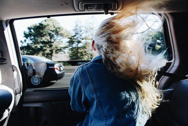 Открытое окно в авто фото