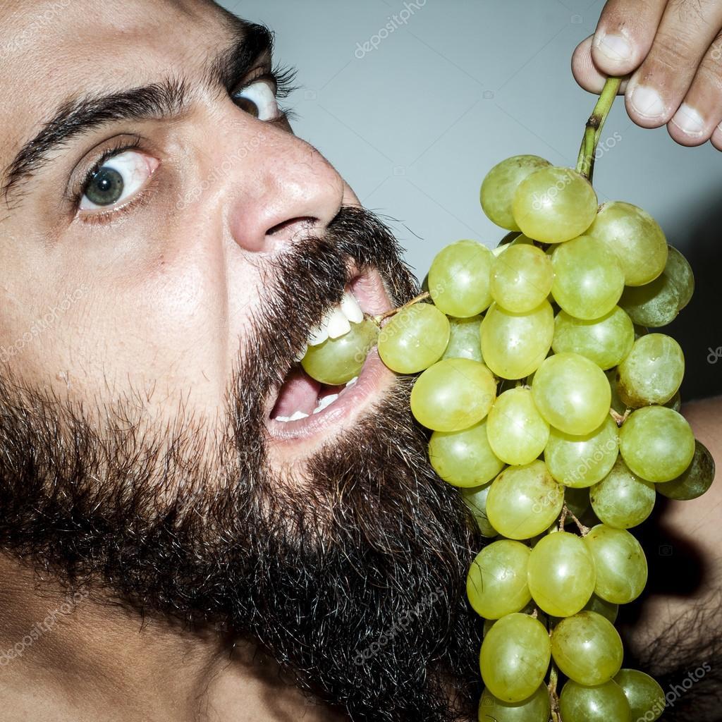 Запах винограда от водителя
