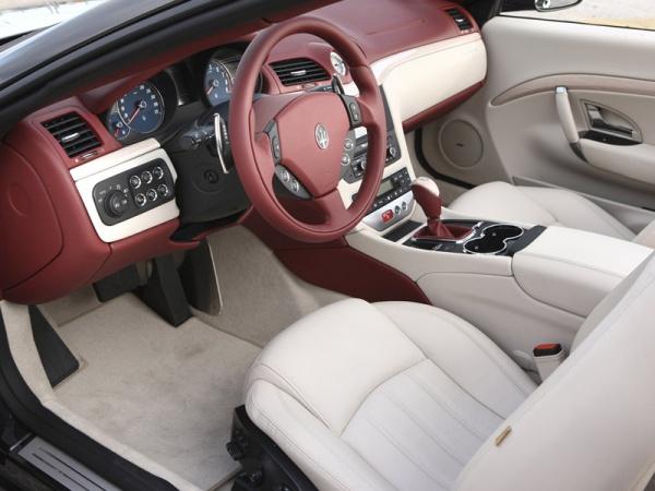 Maserati GranCabrio фото