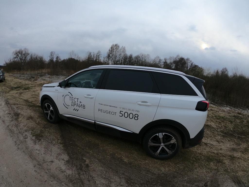 Peugeot 3008 и Peugeot 5008 фото